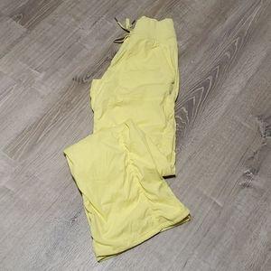 Lululemon athletica dance traveler pants size 6